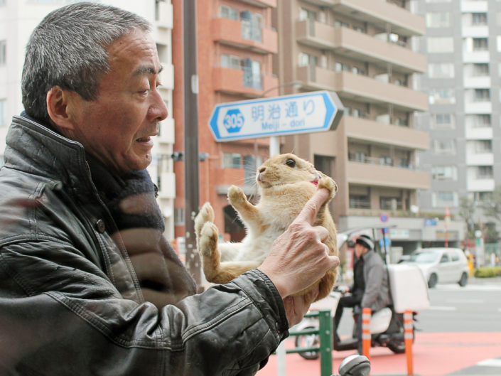 Jouer avec la nourriture - Shinjuku, Tokyo