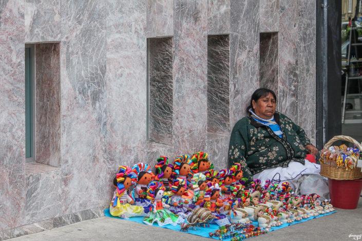 Muneca vendedora - Mexico D.F, Mexique