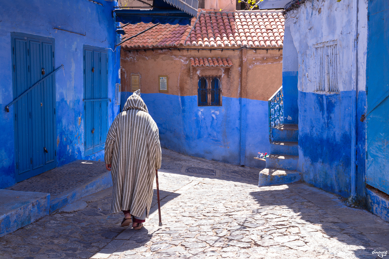 Une ombre passe - Chefchaouen, Maroc, avril 2018