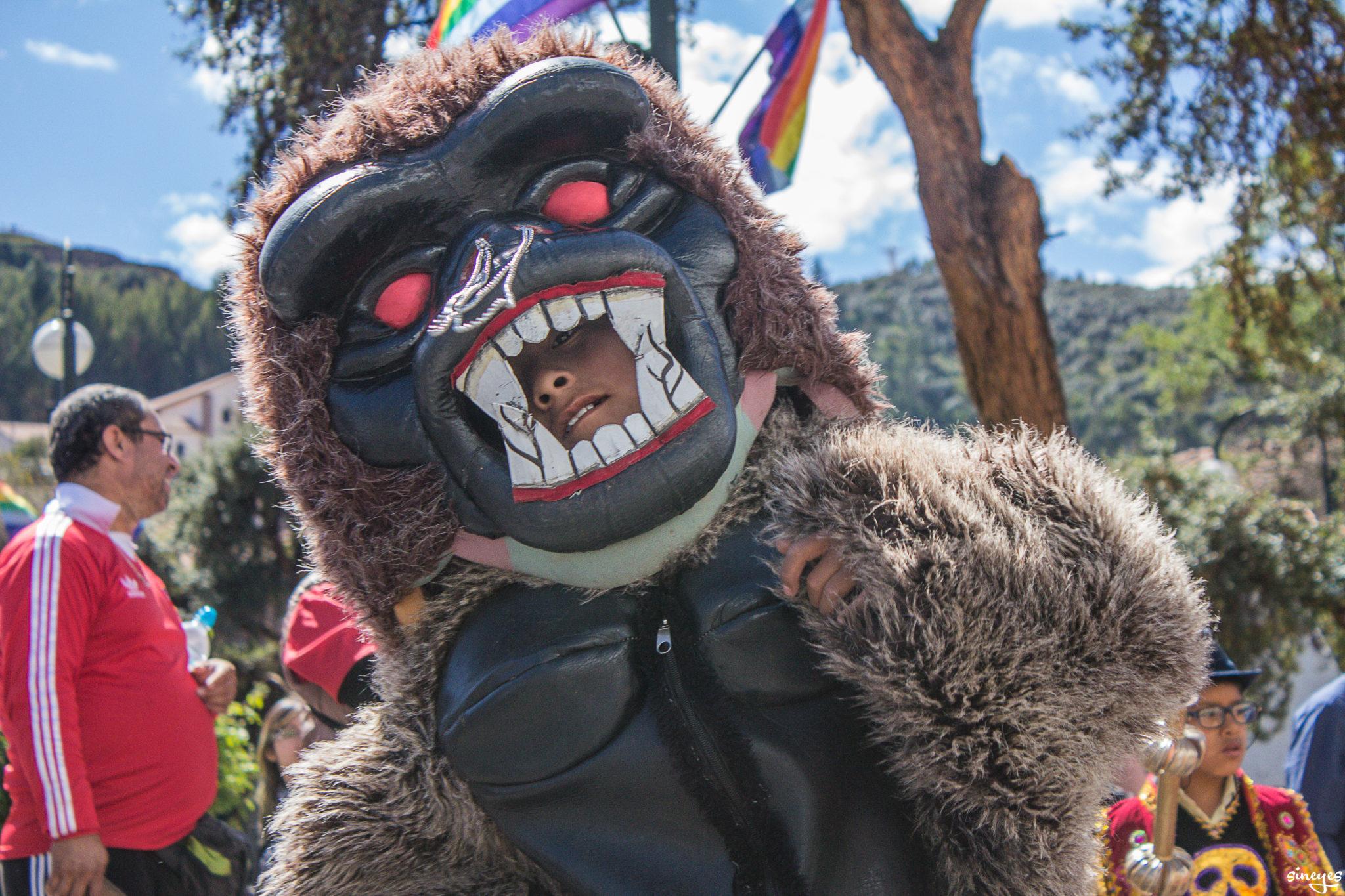 Kid eaten by gorilla by sineyes