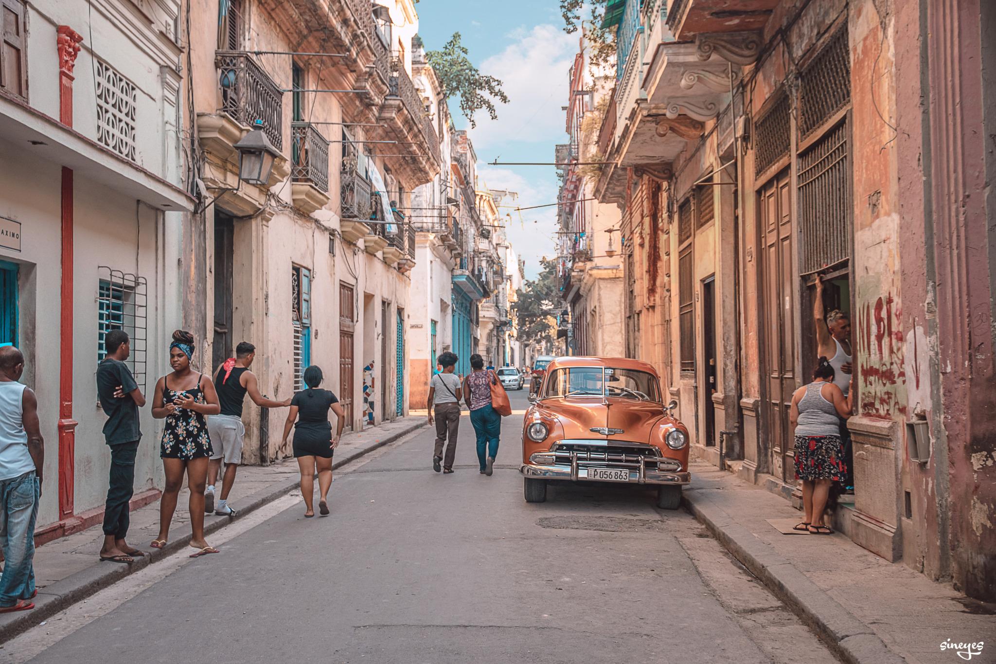 Vintage street by Sineyes
