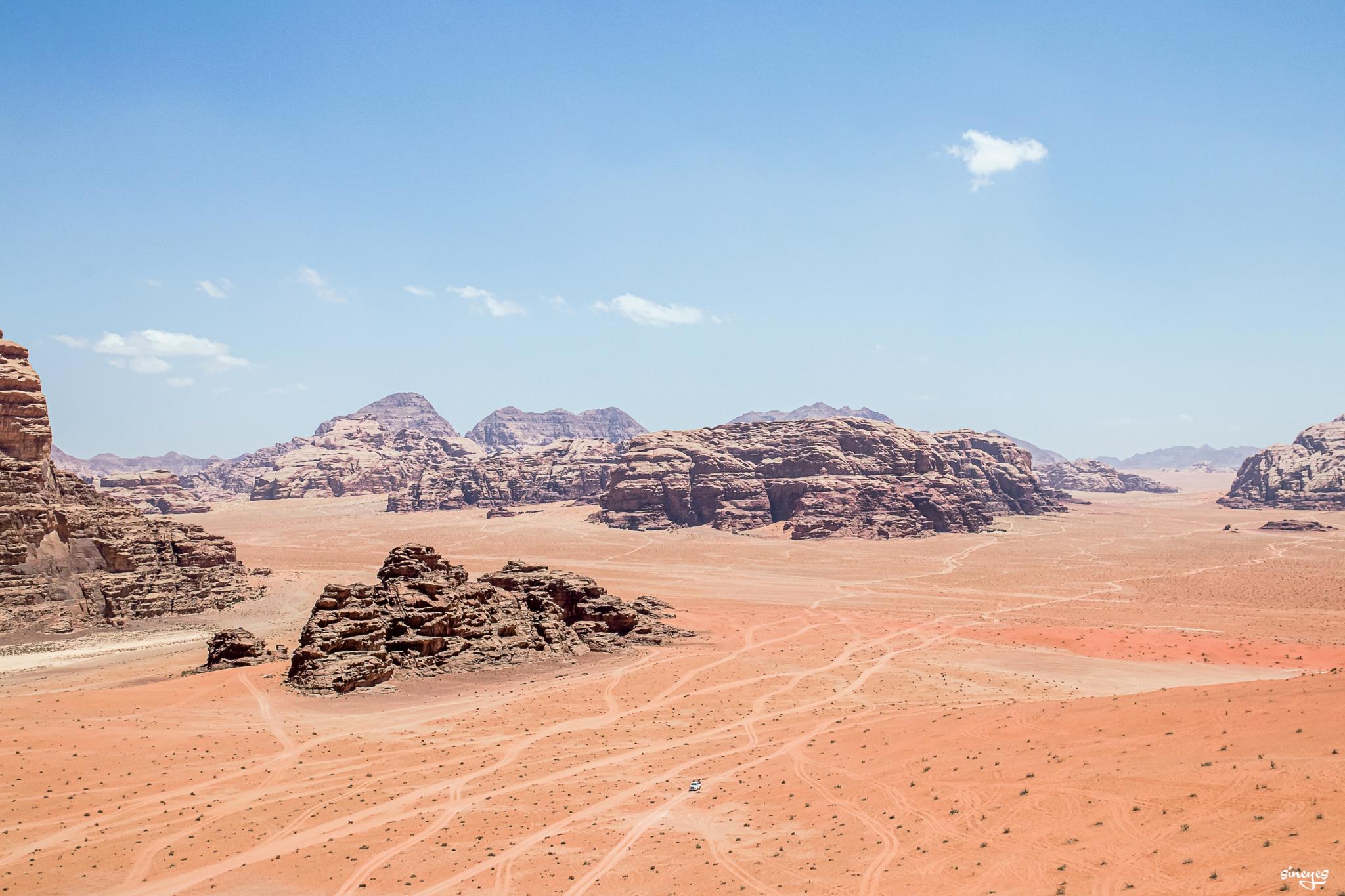 Wadi landscape by sineyes