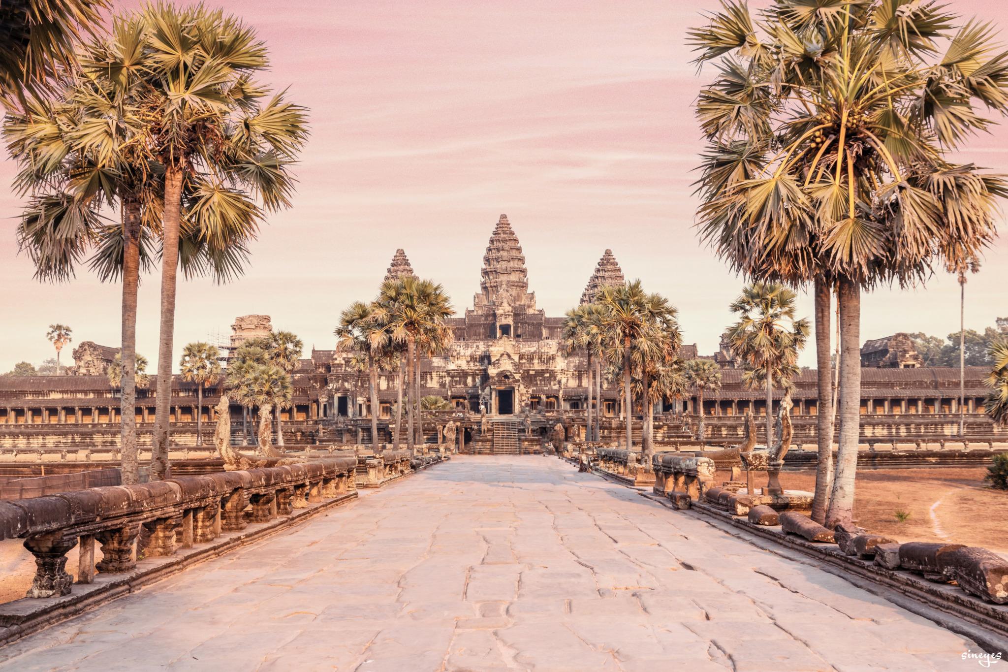 Angkor by sineyes