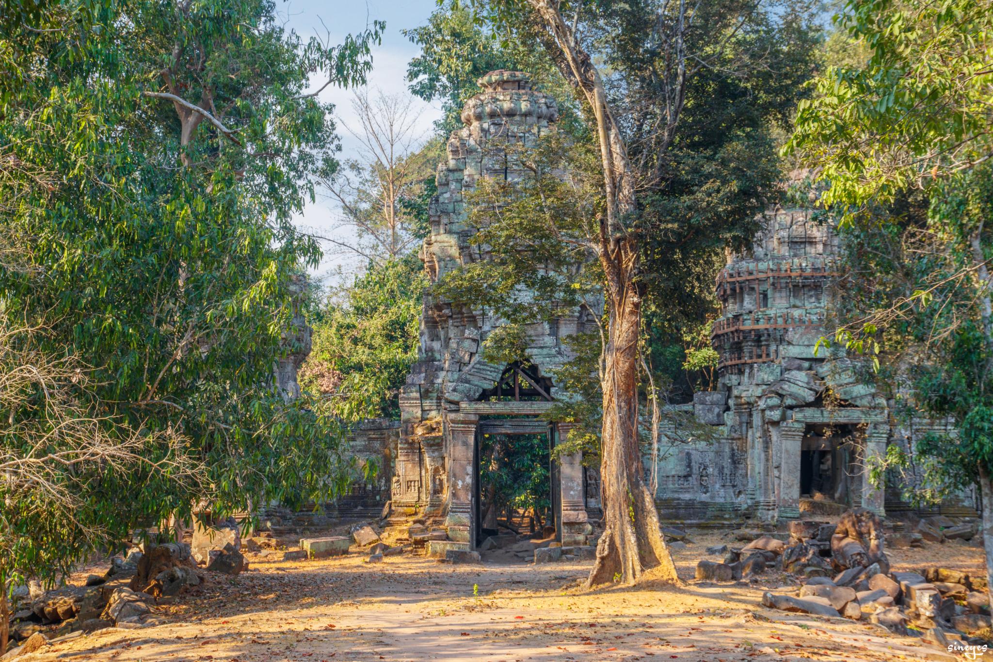 Ruins by sineyes