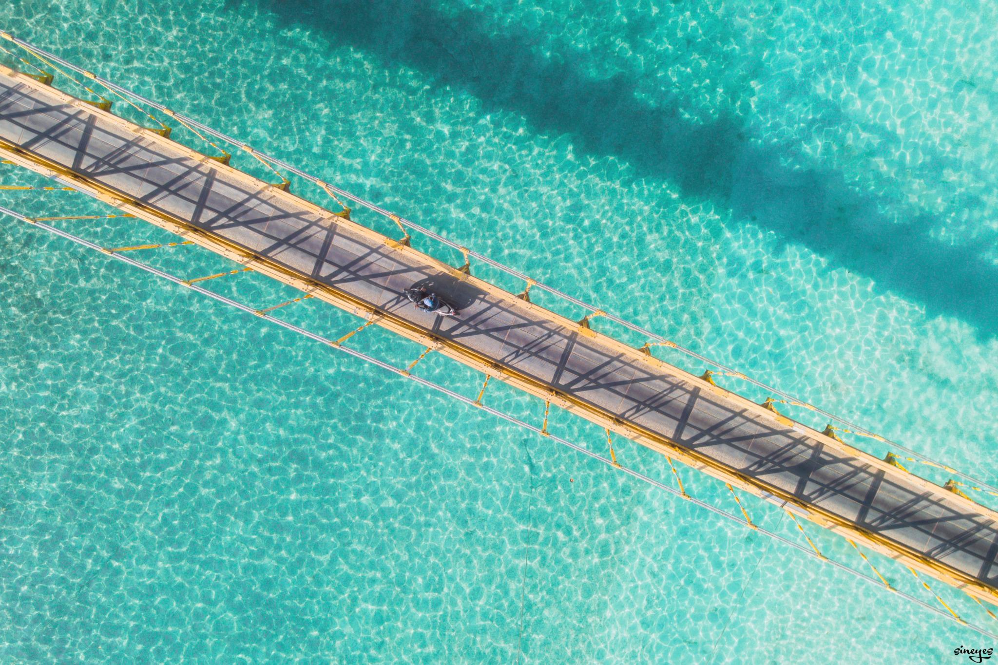 Yellow bridge by sineyes